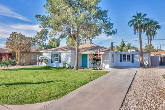 3130 N 26th Place-small-001-031-Front Exterior-666x444-72dpi